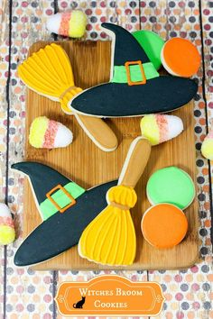 Looking for a fun Halloween cookie recipe for teens that you can make with your BFF? These Witches' Broom cookies are so adorable! Halloween Cookie Recipes, Halloween Food Crafts, Halloween Party Games, Kids Party Games, Halloween Cookies, Holidays Halloween, Halloween Treats, Halloween Diy, Happy Halloween