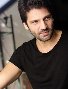 Kaan Urgancioglu was born in 8 May 1981 in Izmir. After graduating from Marmara University, he did his master's degree in Film and Drama at Kadir Has University Hot Actors, Actors & Actresses, Movie Crafts, Oh My Heart, Actrices Hollywood, Hindi Movies, Turkish Actors, Karaoke, Celebrity Crush