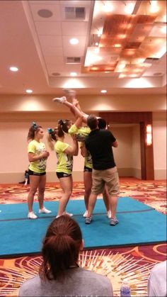 Level 3 toss flat back half up to one leg - YouTube Cool Cheer Stunts, Cheer Tryouts, Cheerleading Stunting, Cheer Coaches, Cheerleading Videos, Cheer Dance Routines, Cheer Moves, Cheer Stretches, Cheer Pyramids