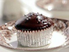 Milk Chocolate Cupcakes with Dark Chocolate Icing