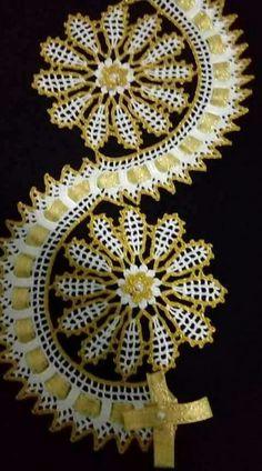 Filet Crochet, Crochet Designs, Towels, Crochet Roses, Crochet Diagram, Crocheted Animals, Crocheting Patterns, Crochet Flowers, Ornaments