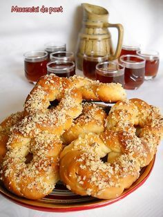 Mucenici de Post | Retete Culinare - Bucataresele Vesele Romanian Desserts, Bagel, Feta, Plant Based, Foodies, Sweet Tooth, Food And Drink, Sweets, Cooking