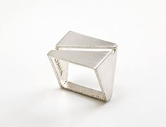 """: """" INDUSTRING BY DANA BACHAR-SCHNEORSON At first glance, these angular rings seem fairly unassuming – plain even. Jewelry Accessories, Jewelry Design, Geometric Jewelry, Geometric Necklace, Square Rings, Minimal Jewelry, Photo Jewelry, Ring Designs, Metal"""