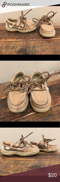NWOT Sperry Bluefish sz 5C Brand new Sperry Bluefish boat shoe in Toddler size 5. Please check out my closet for more awesome kids shoes! Bundle and save! 😎 Sperry Shoes