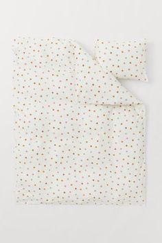 Cotton Duvet Cover Set - White/dotted - Home All | H&M US 2 Single Duvet Cover, Duvet Cover Sets, Office Supplies List, Uni Room, Lit Simple, H&m Kids, H & M Home, Cotton Duvet, Linen Bedding
