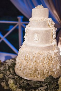 Glittering White Wedding Cake | photography by http://amycampbellphotography.com/