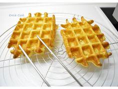 Wafel Recept van een Echte Bakker! » OrcaCool Sweet Desserts, Delicious Desserts, Yummy Food, Beignets, Dutch Recipes, Cooking Recipes, Belgian Food, Sweet Bakery, Pancakes And Waffles