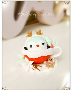 Vanilla Gingerbread Chai with Rudolph...the Penguin😆😉 Hope u guys like this! Annd GAWD..who knew GINGERBREAD MAN was HARD TO MAKE!?! I… Polymer Clay Kawaii, Gingerbread Man, Chai, Penguins, Vanilla, Artist, How To Make, Guys, Random