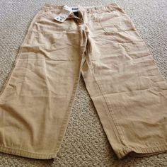 Kaki Capri Pants size: 12 from NY & Co Kaki Capri Pants size: 12 from NY & Co.  Minimally worn and still in great condition New York & Company Pants Capris