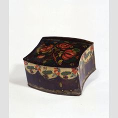 """TRINKET BOX/ Butler Shop (act. 1824–c. 1855); paint decoration by Ann Butler (1813–1887), Greenville, New York,  c. 1830, paint on asphaltum over tinplate, 1 3/4 × 3 1/4 × 3 1/8"""", collection American Folk Art Museum, gift of the Historical Society of Early American Decoration, courtesy Esther Oldham and Anne Oldham Borntraeger, 53.2.5."""