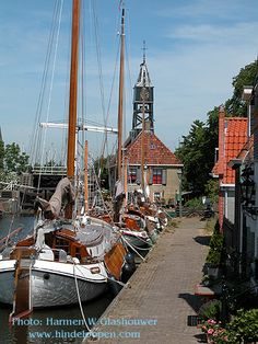 Hindeloopen (Photo: Harmen W. Travel Netherlands, Kingdom Of The Netherlands, Holland Netherlands, Amsterdam Netherlands, Beautiful Sites, Beautiful Places, South Holland, Windmills, Lighthouses