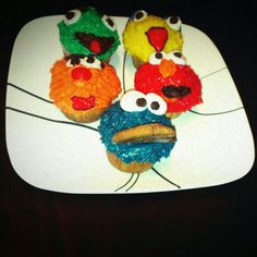 Sesame Street Cupcakes!...perfect for a birthday partyy!