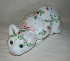 EPLA ALCOBACA CERAMIC CROUCHING CAT HAND-PAINTED GREEN & PINK FLORALS PORTUGAL