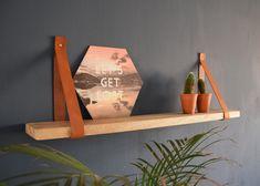 https://www.loftdeur.nl/wp-content/uploads/2017/05/Cognac-leren-plankdragers-met-mango-plank.jpeg