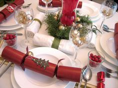 5 ways to decorate your holiday table