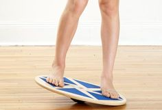 Smart Ideas for Every Athlete // wobble board c Mitch Mandel You Fitness, Fitness Goals, Fitness Tips, Wobble Board Exercises, Ankle Rehab Exercises, Sprained Ankle, Train Your Brain, Reasons To Smile, Knee Pain