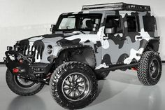 2014 Lifted Jeep Wrangler Unlimited Camo Kevlar Custom Leather So cute! Jeep Wrangler Rubicon Unlimited, Wrangler Jeep, Jeep Cj7, Jeep Wranglers, Jeep Jeep, Jeep Wagoneer, Auto Jeep, Navy Seals, Camo Truck Accessories