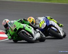 MotoGP: Ant West, Kawasaki ZX-RR, chased by Valentino Rossi, Yamaha M1.