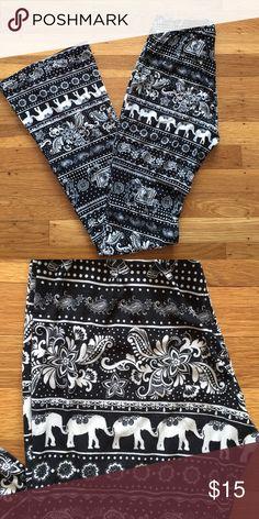 Print leggings Elephant print bohemian leggings. Like brand new! Wide leg at the bottom. Size s/m Pants Leggings