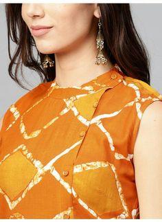 Orange and mustard yellow checked straight kurta, has a round neck with button closure, sleeveless, straight hem, multiple slits. #kurta #orangekurti Neck Designs For Suits, Neckline Designs, Dress Neck Designs, Designs For Dresses, Blouse Designs, Kurti Sleeves Design, Kurta Neck Design, Salwar Suit Neck Designs, Simple Kurti Designs