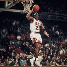 "The Jordan Underground on Instagram: ""#Fly #SpaceJam #itsgottabetheshoes #michaeljordan #nikebasketball #nike #nikeflight #shoes #airjordan #michaelairjordan #michaeljordan23…"" Mike Jordan, Michael Jordan Basketball, Jordan Nike, Michael Jordan Pictures, Jordan Photos, Bulls Basketball, Basketball Legends, Charlotte Hornets, Jeffrey Jordan"
