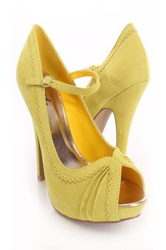 Here's another yellow shoes to go with the gray dress. High Heel Pumps, Pumps Heels, Stiletto Heels, Spring Shoes, Summer Shoes, Mustard Shoes, Prom Heels, Yellow Shoes, 5 Inch Heels