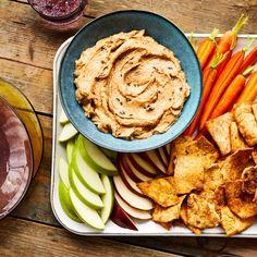 Cinnamon-Raisin Almond Butter Dip Appetizer Dips, Appetizer Recipes, Snack Recipes, Kid Recipes, Almond Butter Snacks, Peanut Butter, Snack Hacks, Healthy School Snacks, Base Foods