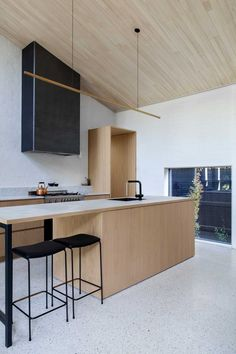 Pale timber kitchen, simple design, overhead light and concrete floor from Baffle House by Clare Cousins Architects Home Interior, Kitchen Interior, Interior Architecture, Interior Design, Kitchen Hoods, New Kitchen, Kitchen Dining, Clare Cousins, Cocinas Kitchen