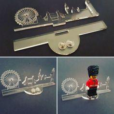 Minifigure Stands - Laser Frame