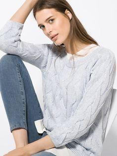 Novedades semanales en moda para mujer de la última colección primavera verano 2016 de Massimo Dutti online. Novedades y lookbooks únicos y exclusivos.