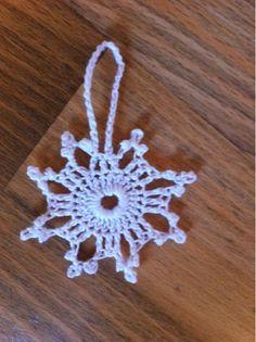Virkade snöflingor Crochet Snowflake Pattern, Crochet Snowflakes, Crochet Patterns, Snow Flakes Diy, Xmas, Christmas, Crochet Flowers, Crochet Earrings, Textiles