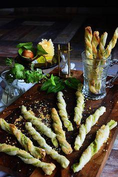 アボカド&レモンチーズパイ チーズストロー tapas cheese straw |レシピブログ