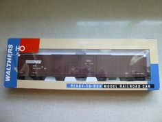 Walthers HO Scale Norfolk Southern Pullman Standard 86' Hi-Cube Box Car w/ Box…