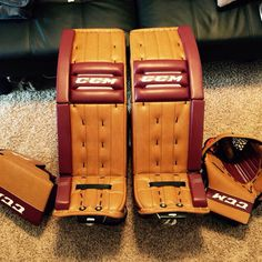 One of our fans on Facebook sent in photos of their new CCM Retro Flex Pro setup. Looks great! Hockey Goalie Gear, Goalie Pads, Fans, Cushions, Facebook, Cool Stuff, Retro, Nice, Photos