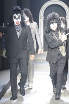Kiss at John Varvatos [Photo by Giovanni Giannoni] Kiss Images, Vintage Kiss, Kiss Photo, Heavy Metal Rock, Kiss Band, Catwalk Collection, Hot Band, Rock Of Ages, Gene Simmons