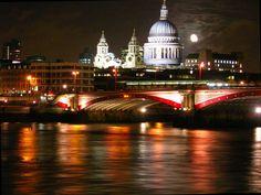 LONDON - ST. PAULS & BLACKFRIARS BRIDGE AT NIGHT.