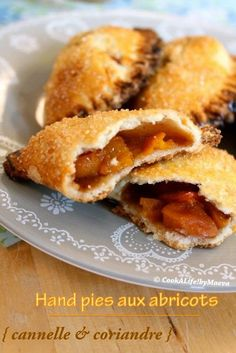 "Cook A Life! by Maeva: Hand pies ou chaussons aux abricots { cannelle & coriandre } - Bataille Food #15 ""Voyage épice... C"" Empanadas, Fried Pies, British Recipes, Cobbler, Cheesecakes, Apple Pie, Quiche, Biscuits, Fries"