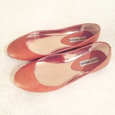 Steve Madden Heaven Leather Ballet Flat Quality tan leather ballet flats that goes with any outfit. Worn only once & in perfect condition!  Steve Madden Shoes Flats & Loafers