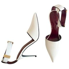 Pre-owned Céline Leather Heels ($492) ❤ liked on Polyvore featuring shoes, pumps, white, women shoes heels, pointy toe ankle strap pumps, stiletto pumps, pointed toe ankle strap pumps, white stilettos and white stiletto pumps #stilettoheelspointed #pumpheelsstilettos
