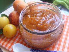 Mermelada de ciruelas con albaricoque al aroma de haba Tonka. Ver receta: http://www.mis-recetas.org/recetas/show/37270-mermelada-de-ciruelas-con-albaricoque-al-aroma-de-haba-tonka
