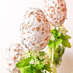 Velikonoční dekorace vysoká trvanlivá - přizdobená vajíčka Decoupage, Christmas Bulbs, Floral, Eggs, Gift Wrapping, Easter, Crafty, Table Decorations, Holiday Decor