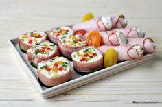 Ruladă aperitiv cu șuncă și brânză rețeta simplă și rapidă | Savori Urbane Sushi, Cherry, Ethnic Recipes, Food, Ham, Essen, Meals, Prunus, Yemek