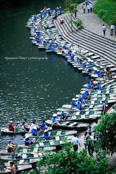 Tam Coc - Bich Dong, Ninh Binh Province, Vietnam. It's worth to visit :) http://vietlegendtravel.com/
