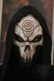 Résultats de recherche d'images pour «dungeons and dragons art   mask»