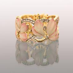 Magnolia ring by Ilgiz Fazulzyanov