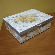 Decopage, Decoupage Box, Wood Boxes, Wood Crafts, Stencils, Decorative Boxes, Shabby Chic, Scrap, Arts And Crafts