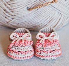 Zapatitos de bebe con tutorial