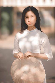 Thư viện ảnh - Trường THPT Krông Ana Vietnamese Traditional Dress, Traditional Dresses, Vietnam Costume, Vietnam Girl, South Vietnam, Girl Fashion, Womens Fashion, Fashion Design, Sexy Asian Girls