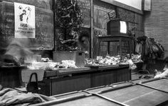 Fotografii cu studenții români din comunism, care-ți arată că facultatea nu s-a schimbat deloc