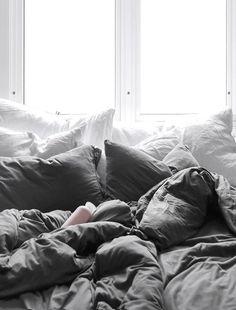 Vous rêvez d'une nuit torride dans une chambre romantique ? Pas besoin de filer à l'hôtel, voici nos idées simples pour réaliser chez vous un nid d'amour.
